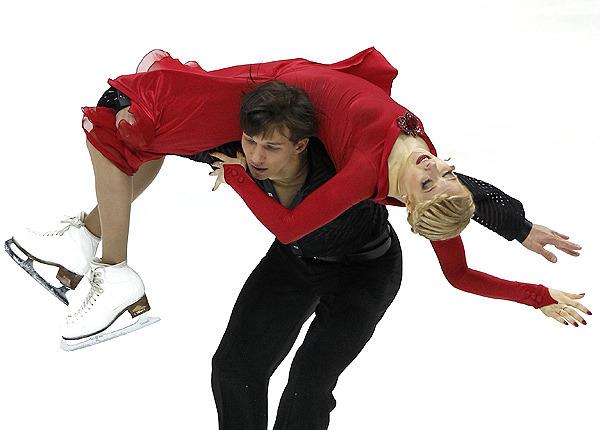 Боброва и Соловьев официально снялись с этапа Гран-при Skate America