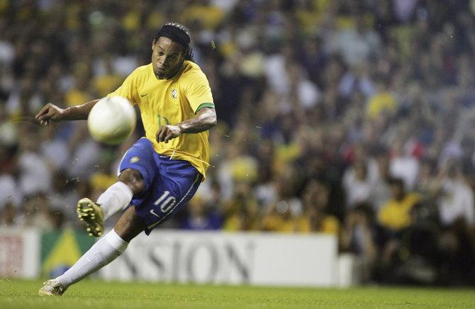 Роналдиньо отлично играет в «Атлетико Минейро», но Сколари предпочел обойтись без него.
