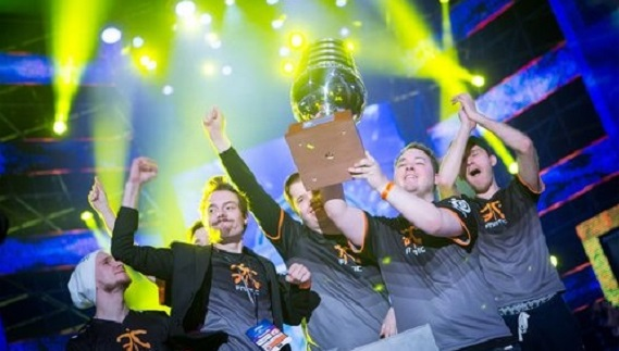 Natus Vincere, Cloud9, Team EnVyUs, Virtus.pro, Ninjas in Pyjamas, fnatic, DreamHack Cluj-Napoca