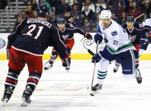 НХЛ. «Ванкувер» вышел на первое место в лиге, показав лучший старт в истории