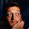 Месут Озил, Манчестер Юнайтед, Ливерпуль, Эвертон, Манчестер Сити, Фулхэм, Роберто Сольдадо, Арсенал, Сток Сити, Суонси, Дэниэл Старридж, Маруан Феллайни, премьер-лига Англия