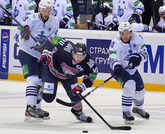 «Магнитка» побеждает «Адмирал» одним звеном и еще три сюжета очередного дня плей-офф КХЛ