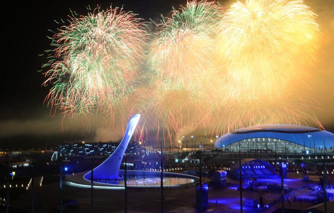 Полная запись церемонии закрытия XXII Олимпийских зимних игр в Сочи