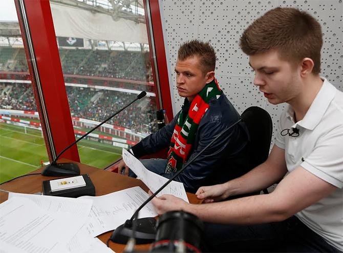 «Работников стадиона приглашаем в ресторан к Самедову». Как Дмитрий Тарасов стал диктором