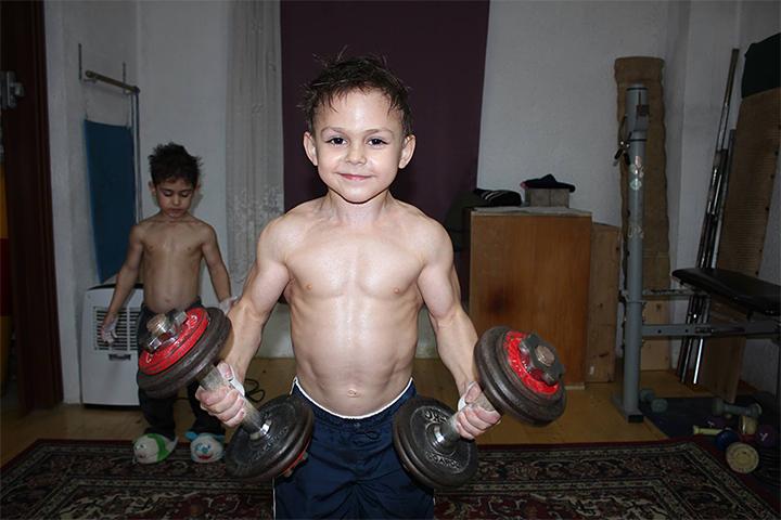 фото детей с пресом