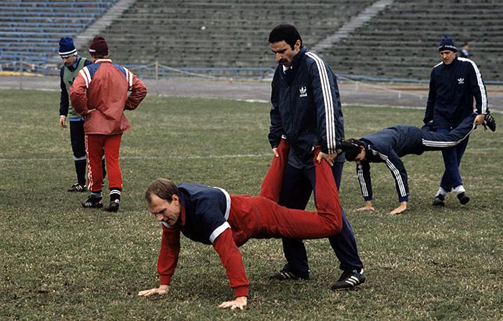Александр Бубнов на тренировке сборной СССР