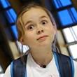«Мне не страшно – потому что глубоко, нельзя удариться». 8-летняя Ира учит прыжкам в воду
