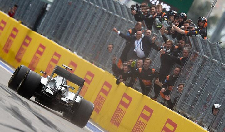 Победителем гонок «Формулы 1» вСочи стал Льюис Хэмилтон