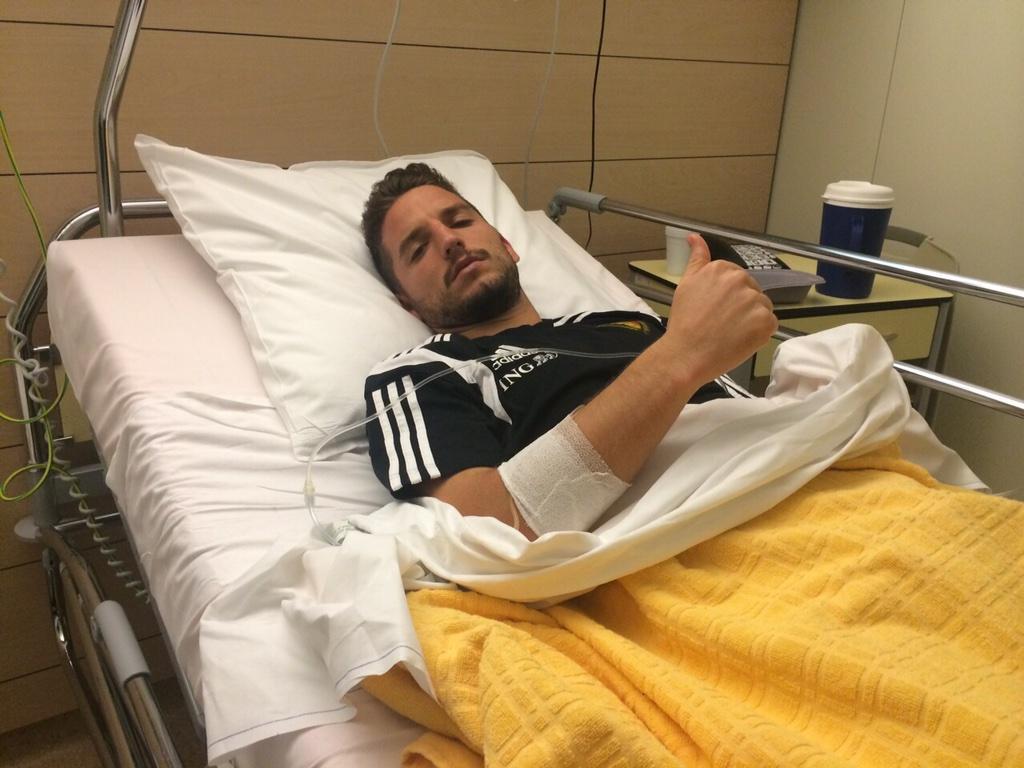 Полузащитник сборной Бельгии в больнице после матча с Уэльсом