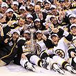 НХЛ, фото, Брэд Маршанд, Роберто Луонго, Тим Томас, Марк Рекки, Ванкувер, Кубок Стэнли, Бостон, происшествия, болельщики