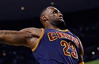 ЛеБрон Джеймс и еще 14 игроков НБА, которые меняли сложившийся образ