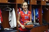 Юная баскетболистка в гостях у ЦСКА