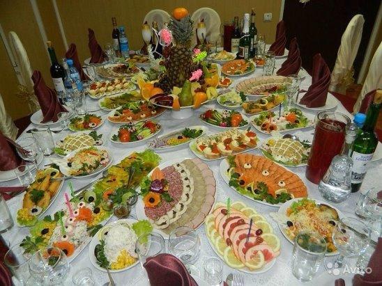 Как красиво накрыть стол на свадьбу в домашних условиях фото