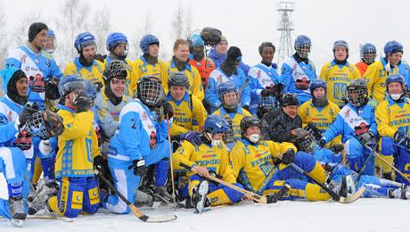 «Зрители фотографировали табло, где высветилось Ukraine – Somalia 1:1». Как казаки в хоккей играли