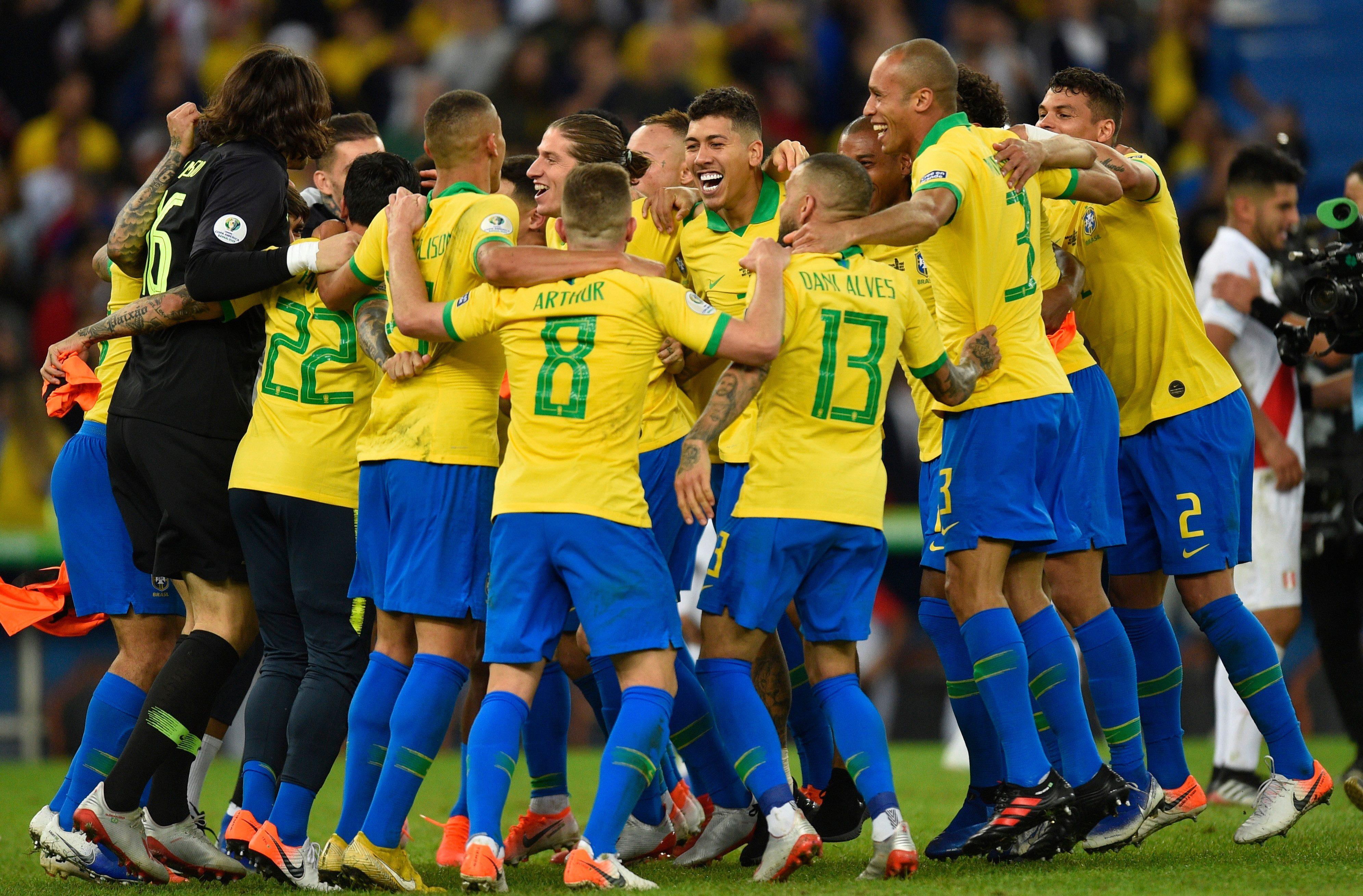 викуньи футболисты сборной бразилии список и фото материалы, такие
