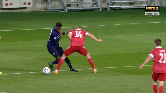 Обидное поражение от Франции: не проиграли по моментам, но привезли два пенальти