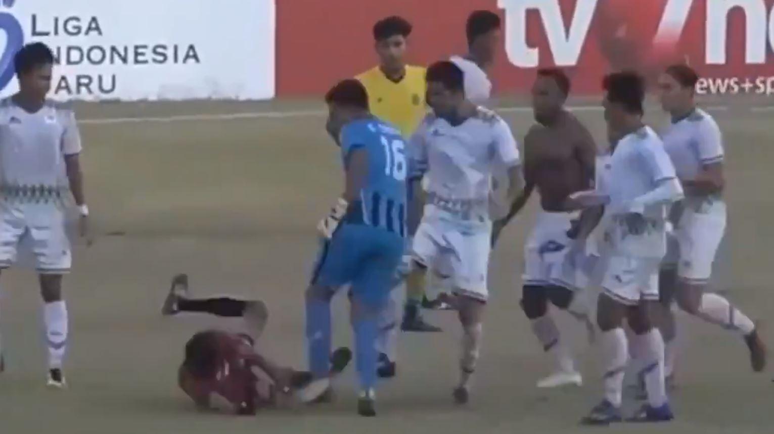 Футбол индонезия высшая лига [PUNIQRANDLINE-(au-dating-names.txt) 58