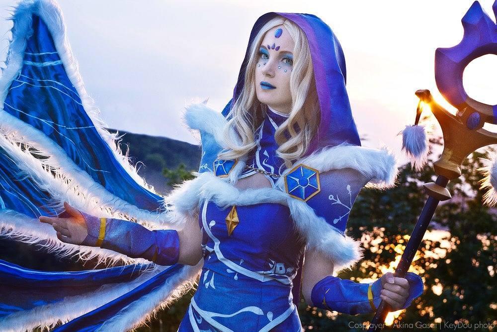 Crystal Maiden, Косплей, Dota 2
