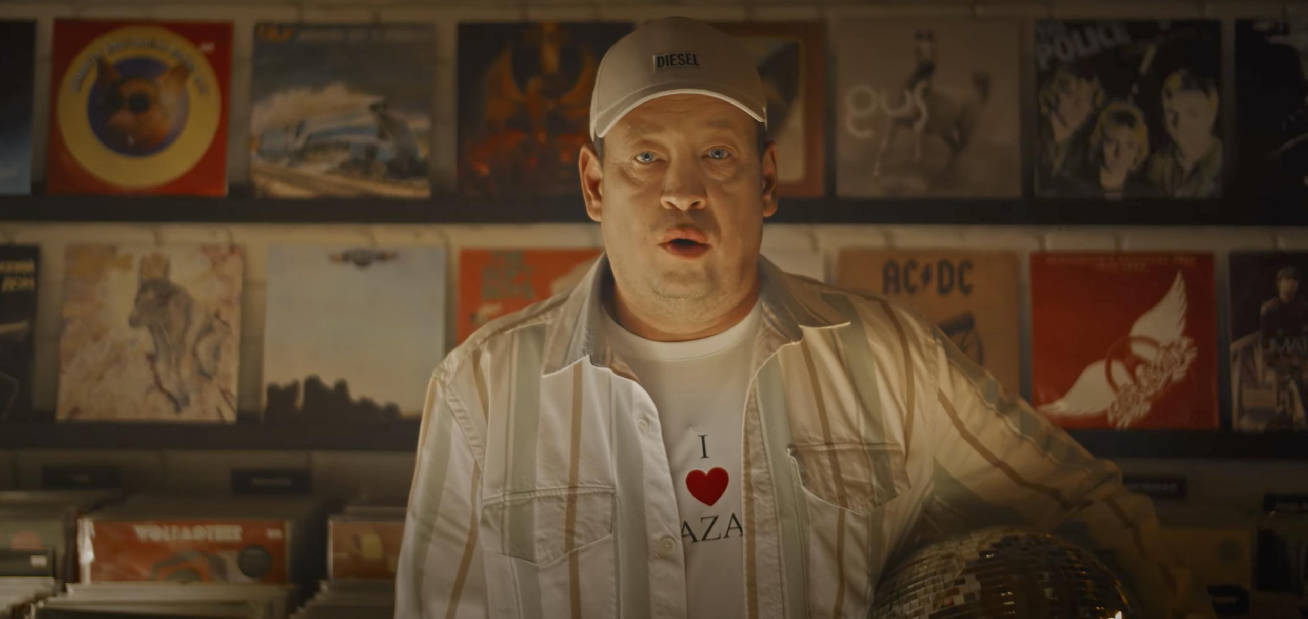Новый клип от «Рубина»: Слуцкий на трех языках признается в любви Казани, игроков-новичков посвящают в своих чак-чаком