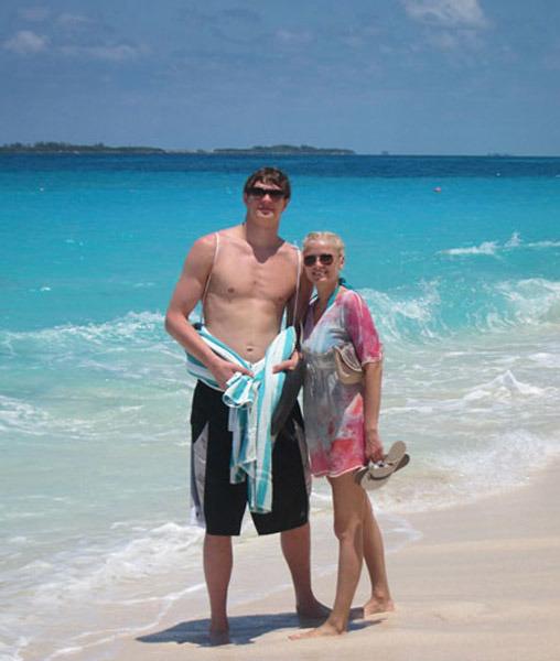 тимофей мозгов с женой фото жизни парня