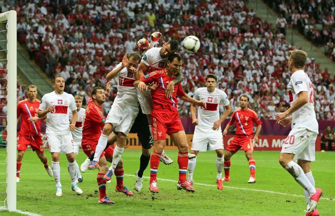 Несмотря на потерю очков в матче с поляками, россияне продолжают первенствовать в  своей группе