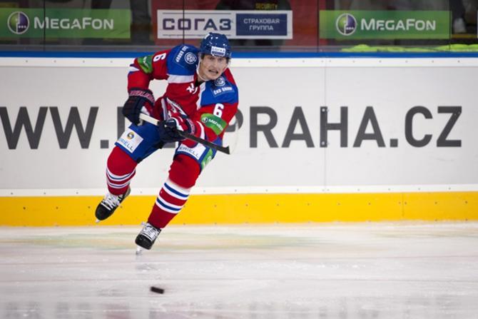 Томаш Мойжиш по-прежнему играет в КХЛ, но за команду из Праги