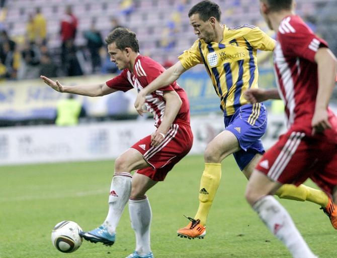 Нериюс Вальскис (с мячом)  хочет заработать в Беларуси 15 очков по системе