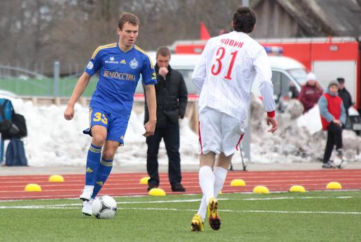 К сожалению, травму получил Денис Поляков. Он выбыл на шесть недель.