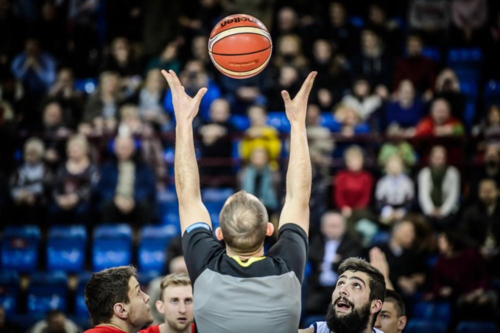 Белорусские баскетболисты обыграли чемпионов Европы вквалификацииЧМ