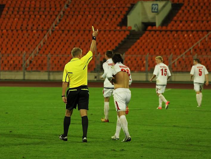 За топлесс-стиль празднования гола Леонид Ковель получил предупреждение
