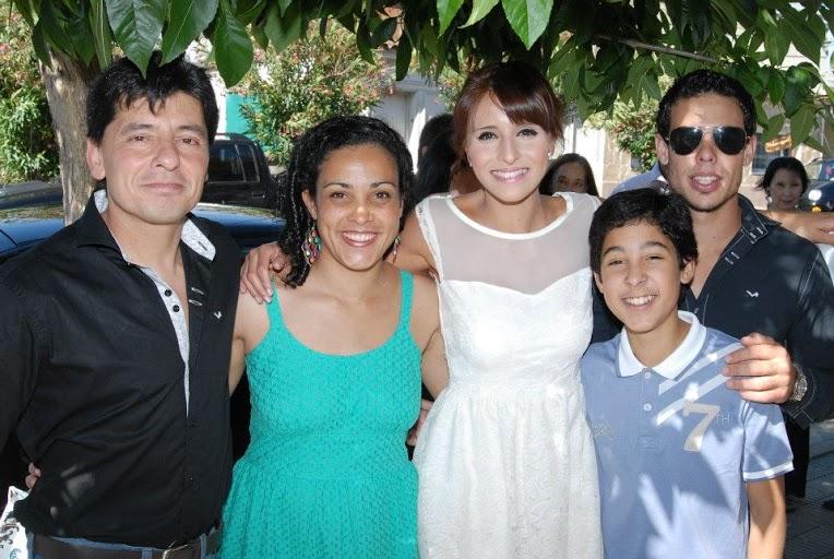 Самира в кругу большой уругвайской семьи.