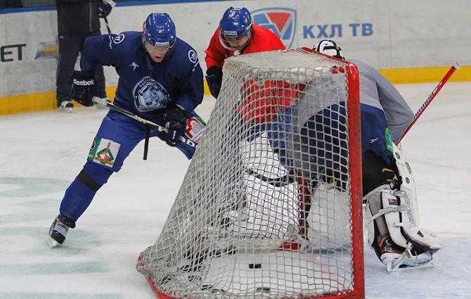 Сергей Дрозд по наущению Александра Кулакова изрядно напрягал во время тренировки Владимира Денисова