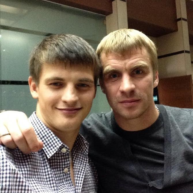 Станислав Драгун всегда готов поддержать своего партнера по команде Сергея Корниленко