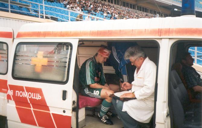 Ныне арбитр Олег Черепнев может рассказать о карьере игрока много чего