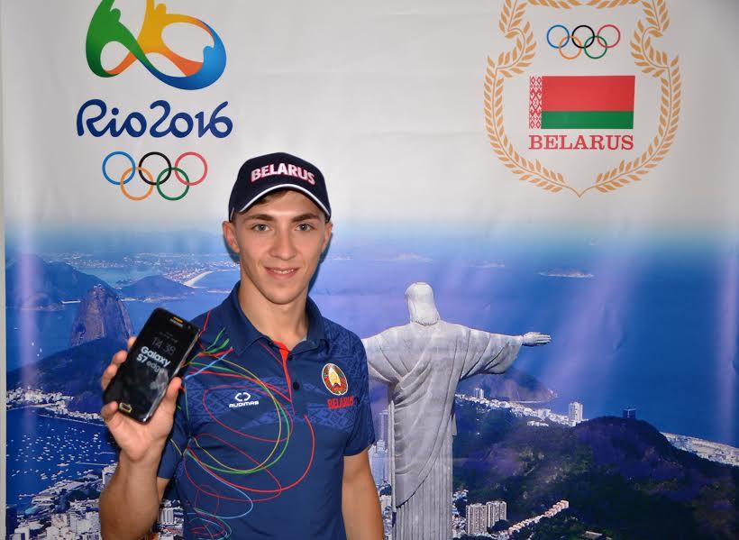 Гончаров выставил подаренный олимпийский телефон нааукцион