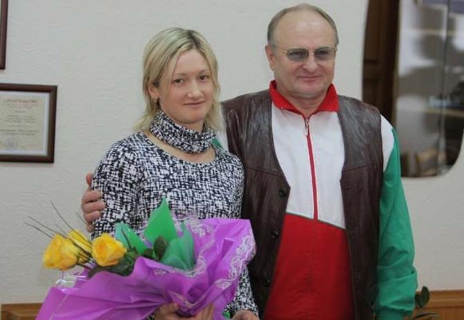 Ольга Панарина жалуется Станиславу Соловьеву, что плохо чувствует себя на минском треке