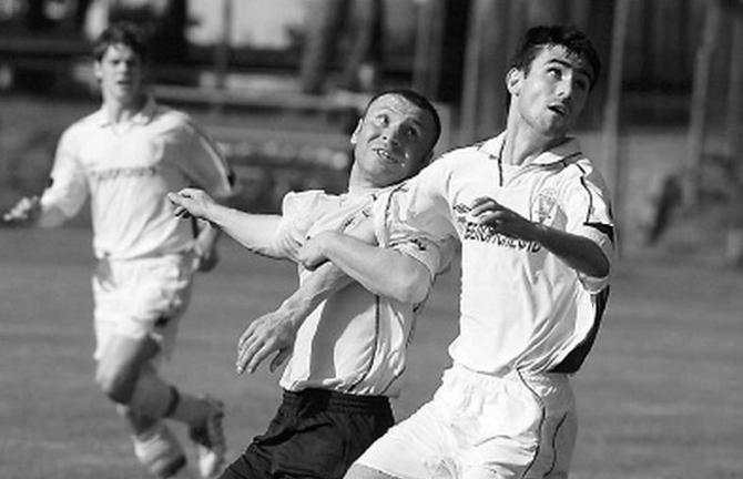 Карен Мурадян (слева) был одним из первых армян в чемпионатах Беларуси