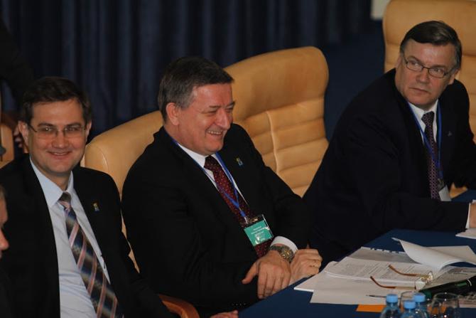 Виктор Каменков во время выборов мог не волноваться -- конкурентов у него не было