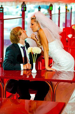 Жгучая свадебная фотосессия.
