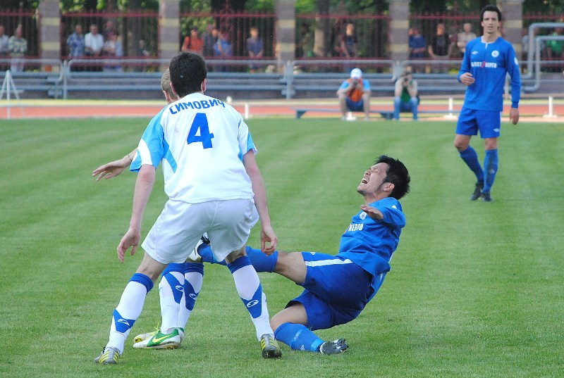 Миниатюрному Сато пока тяжело в белорусском футболе.
