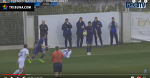 Представители тренерского штаба БАТЭ под щелканье семечек смотрят за игрой брестского «Динамо»