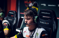 FaceIt London Major, Natus Vincere, Denis