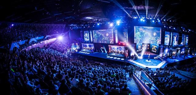 fnatic, Virtus.pro, Team Envy, Natus Vincere, G2 Esports, Luminosity Gaming, Intel Extreme Masters