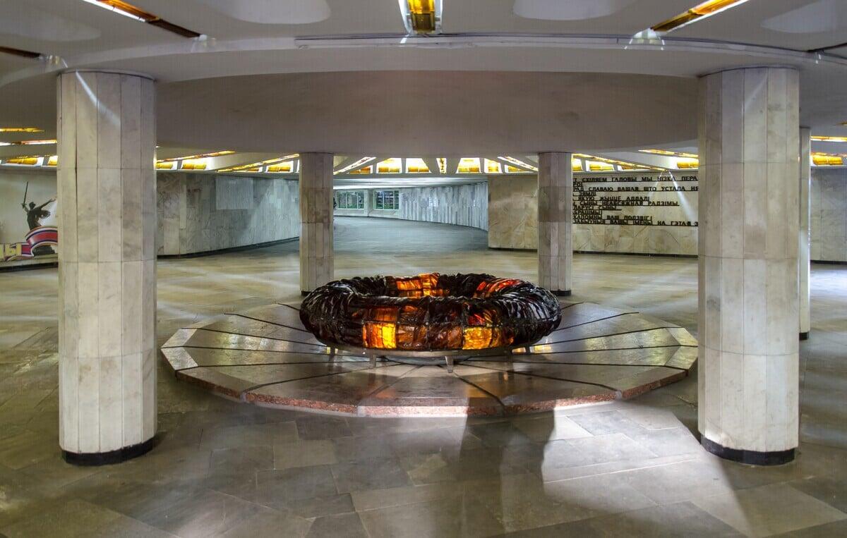 Подземный переход у площади Победы