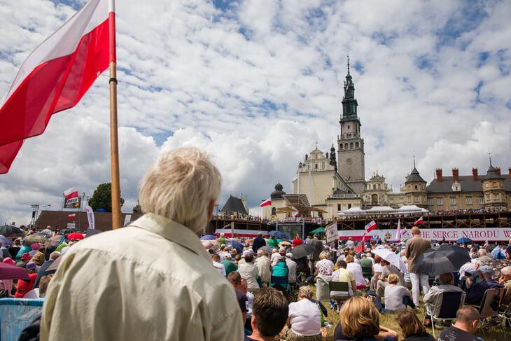 365 лет назад шведы захватили всю Польшу, но главная святыня устояла. Перед Евро там молились за сборную