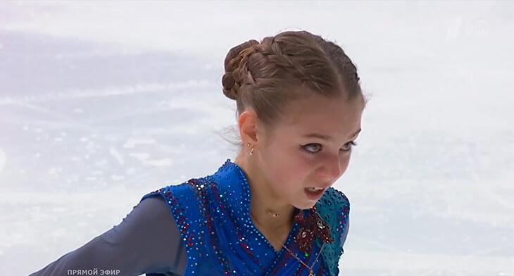 Трусова разрыдалась после проката: два падения, объятия Тутберидзе и только бронза