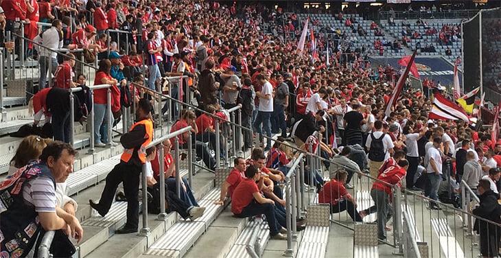 УЕФА запрещает стоячие трибуны, а в Германии их обожают. «Унион» надеется создать еврокубковый прецедент