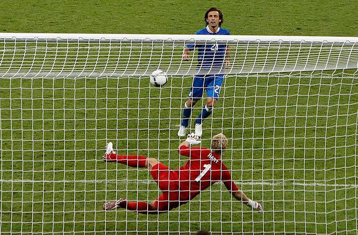 «Выпендреж – не мой стиль». Пирло против Англии в 2012-м – уже классика (особенно паненка, остудившая Харта)
