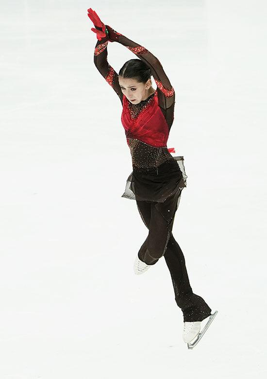 Все, что нужно знать о Камиле Валиевой: обожает прыгать четверные, выиграла ЮЧМ с отрывом в 20 баллов, восхитила внучку Пикассо