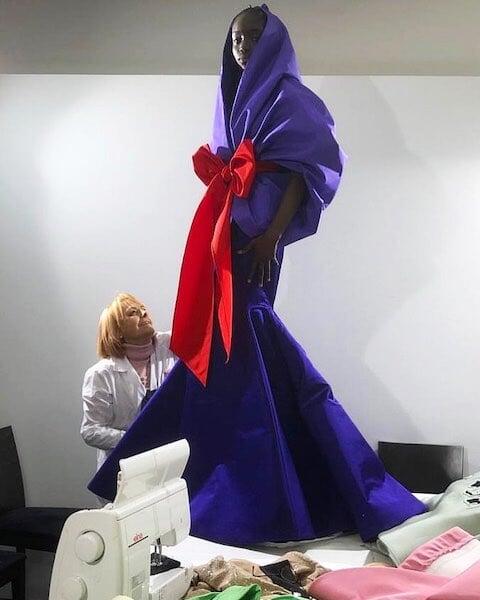 Шарапова пришла на оскаровскую вечеринку в полупрозрачном платье цвета теннисного мяча